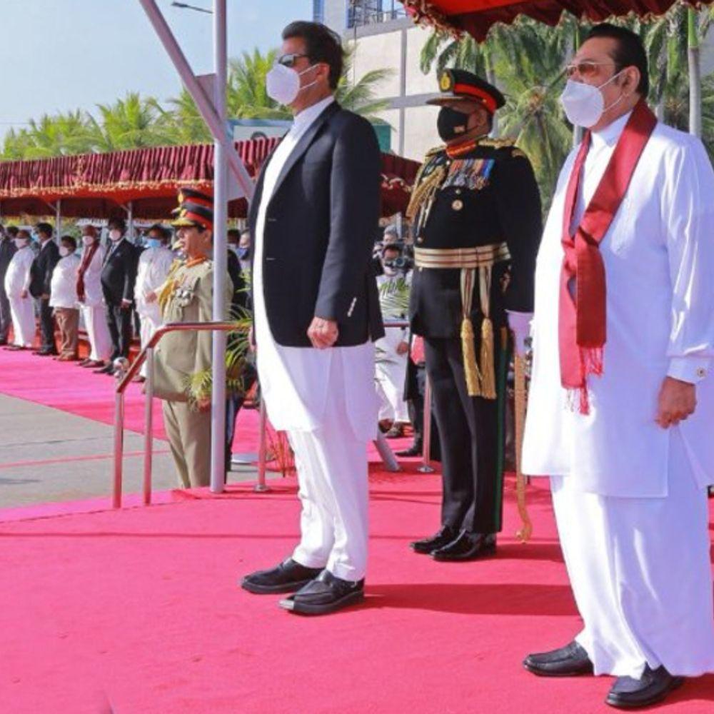 पाक PM का खुलासा:इमरान बोले- जब प्रधानमंत्री बना तो मोदी को बातचीत के जरिए विवाद सुलझाने का प्रस्ताव दिया, कामयाबी नहीं मिली