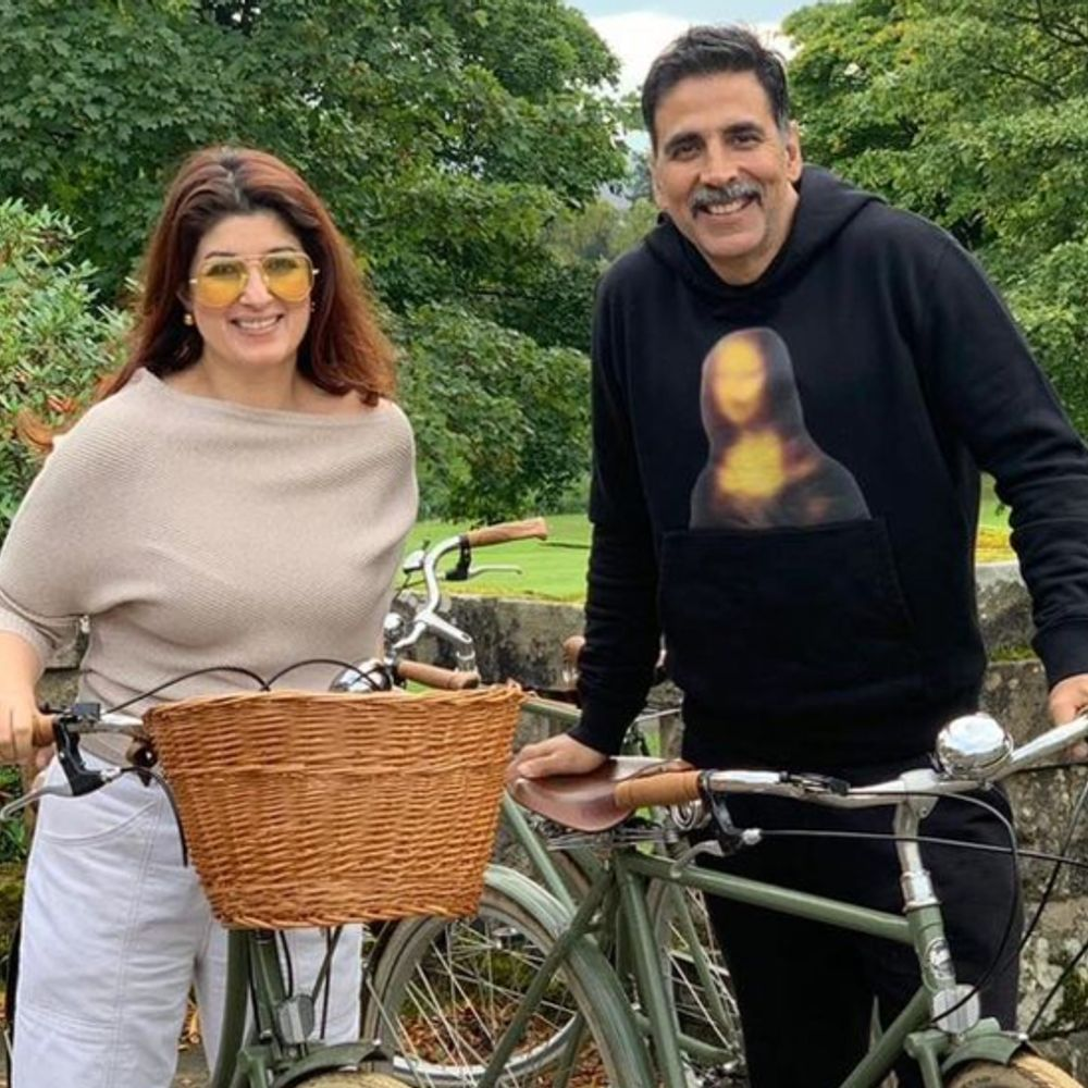 मदद का हाथ:अक्षय कुमार और ट्विंकल खन्ना कोरोना के मरीजों की मदद के लिए आगे आए, UK से 100 ऑक्सीजन कंसंट्रेटर का किया इंतेजाम