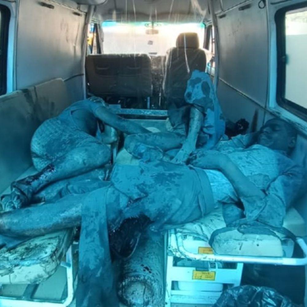 उत्तर प्रदेश में बड़ा हादसा:लखनऊ के ऑक्सीजन प्लांट में सिलेंडर रीफिलिंग के दौरान ब्लास्ट, 2 की मौत; कई वर्कर्स अभी अंदर फंसे