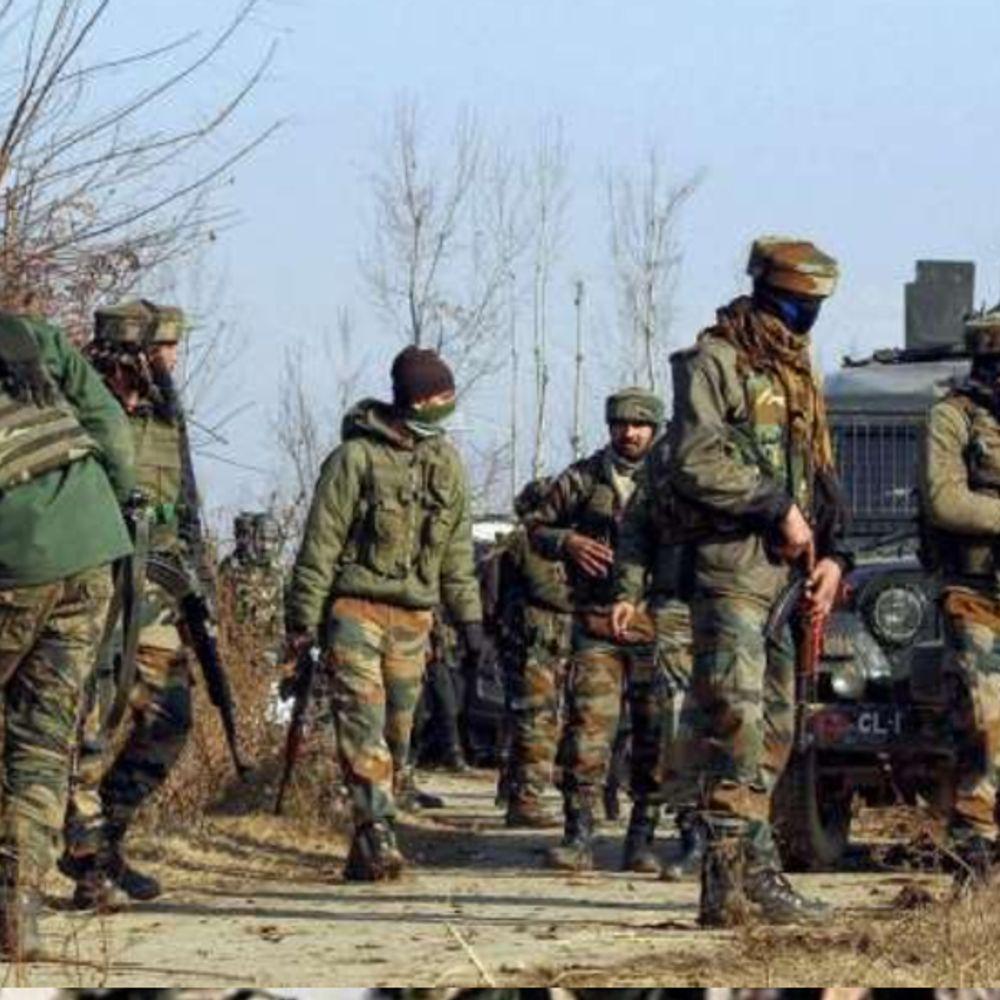 जम्मू-कश्मीर में एनकाउंटर:शोपियां में सुरक्षा बलों ने अल-बद्र के 3 आतंकियों को मार गिराया; एक दहशतगर्द ने सरेंडर किया