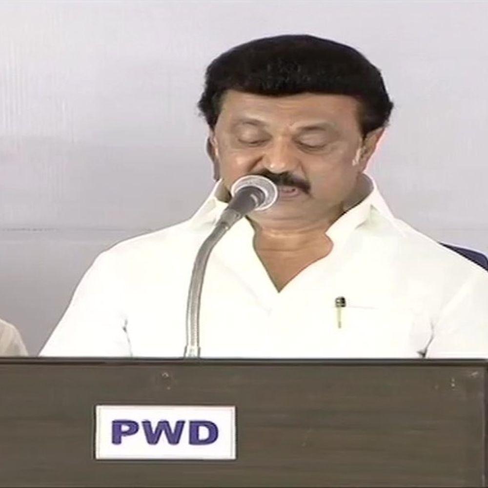 स्टालिन का शपथ ग्रहण:डीएमके प्रमुख एमके स्टालिन ने तमिलनाडु के मुख्यमंत्री पद की शपथ ली, कैबिनेट में 34 मंत्री शामिल