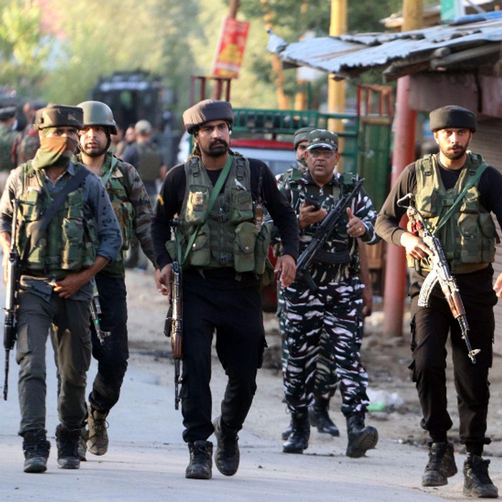 Jammu Kashmir Encounter Update; Jammu Kashmir Encounter, Indian Army, Terrorist Attack, J&K Encounter | कुलगाम के मुनंद इलाके में सुरक्षा बलों ने एक आतंकी को मार गिराया; पिछले 24 घंटे में 3 दहशतगर्द ढेर - WPage - क्यूंकि हिंदी हमारी पहचान हैं