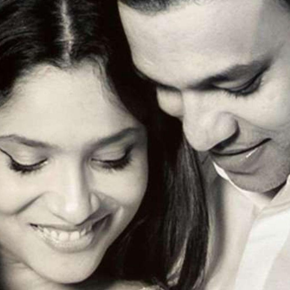 सोशल मीडिया से:अंकिता लोखंडे ने क्यूट अंदाज में बॉयफ्रेंड विक्की जैन को दिया जन्मदिन का तोहफा, बोलीं- 'वादा करती हूं हर उतार-चढ़ाव में साथ दूंगी'