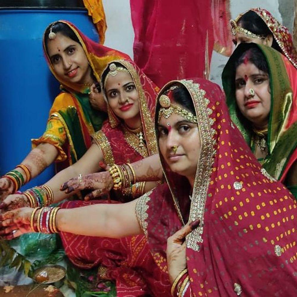फोटो में देखिए पाली में महिलाओं ने कैसे मनाई कजलीतीज:तीज माता का पूजन कर महिलाओं ने पति का चेहरा देख खोला व्रत