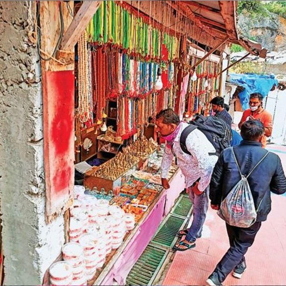 चारधाम यात्रा से उत्तराखंड में लौटी रौनक:मार्ग में लगे जयघोष; पहले ही दिन 1276 भक्तों ने दर्शन किए, सिखों के पवित्र धार्मिक स्थल हेमकुंड साहिब की भी यात्रा शुरू