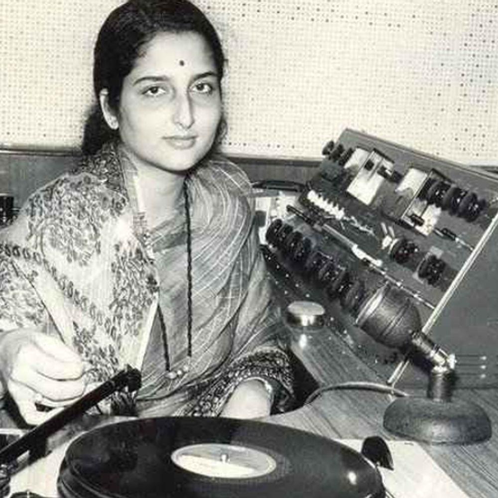 अनुराधा पौडवाल का जन्मदिन:90 के दशक की हिट गायिका थीं अनुराधा पौडवाल, लता मंगेशकर से होने लगी थी तुलना लेकिन एक फैसले से ढलान पर चला गया करियर