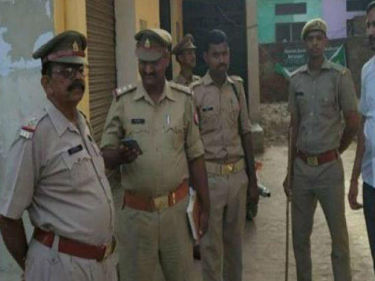 Minor daughter was held hostage for rape | व्यक्ति की गोली मारकर हत्या, दो  महीने पहले उसकी बेटी के साथ हुआ था रेप; 2 कोतवाल समेत 3 निलंबित - Dainik  Bhaskar