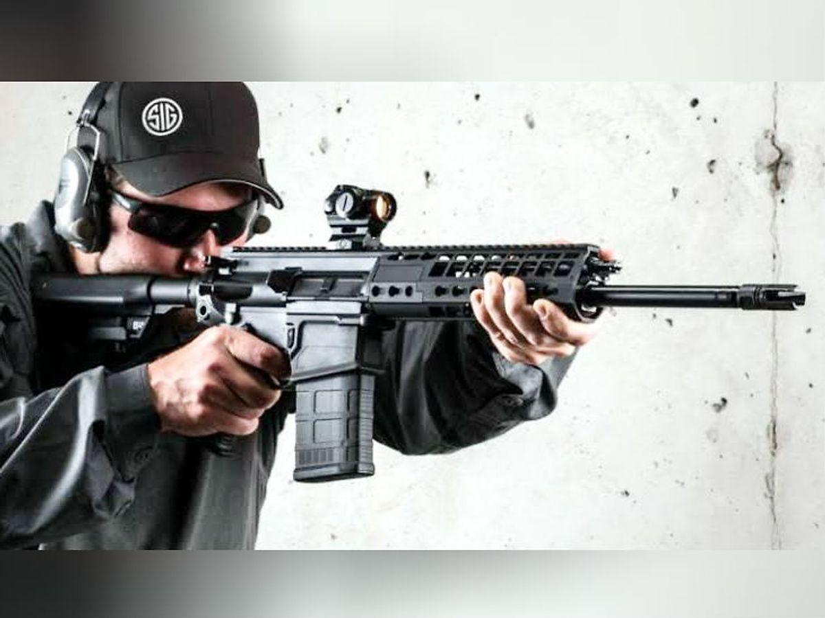Latest News Updates; Indian Army to place order for 72,000 American assault  rifles | 72 हजार एसआईजी राइफल खरीदेगी सेना, लॉन्ग और क्लोज कॉम्बैट की  लेटेस्ट टेक्निक से लैस; इंसास को ...