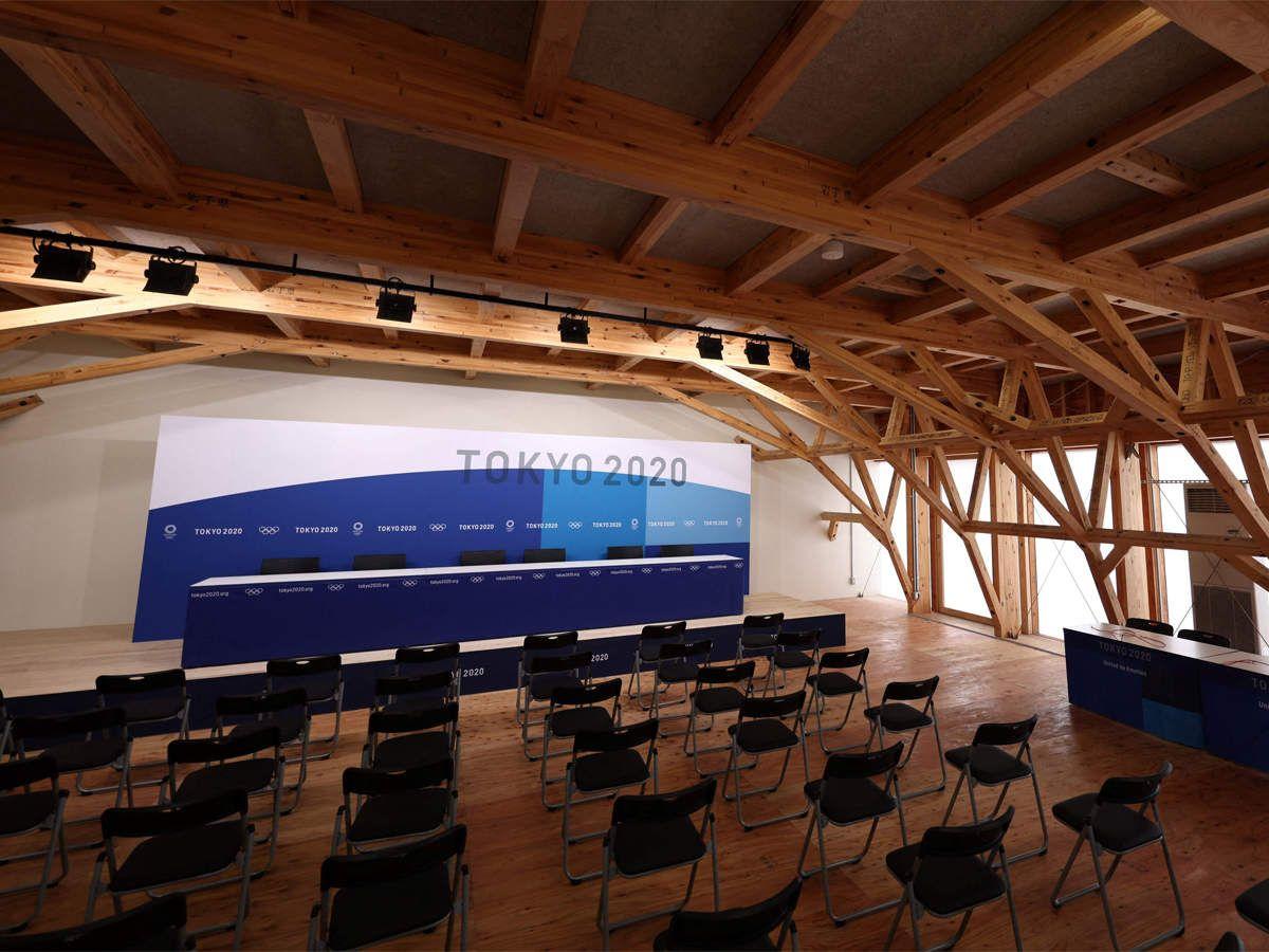विलेज में 2500 मीडिया मेंबर्स को 24 घंटे विलेज की फैसिलिटी इस्तेमाल करने की इजाजत होगी। प्रेस कॉन्फ्रेंस हॉल में 750 लोगों के बैठने की क्षमता है।