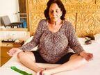 75 साल की उम्र में मां ने शुरू किया योग, अक्षय कुमार बोले-देर आए दुरुस्त आए| - Dainik Bhaskar