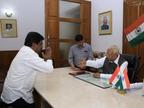 निर्दलीय विधायक नागेश ने मंत्री पद से इस्तीफा दिया, सरकार बचाने के लिए बैठकों का दौर जारी|देश,National - Dainik Bhaskar