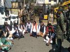 भाजपा प्रतिनिधिमंडल का आरोप- धारा 144 लगा बुरुगुलीकेरा जाने से रोका, धरने पर बैठे सांसद रांची,Ranchi - Dainik Bhaskar