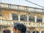समाजसेवी मिर्ची व्यापारी और दो लोगों से अवैध शराब जब्त रतलाम,Ratlam - Dainik Bhaskar