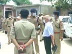 जस्टिस शशिकांत अग्रवाल ने गैंगस्टर विकास दुबे के गांव का दौरा किया, 8 पुलिसवालों की हत्या के बारे में लोगों से जानकारी ली|उत्तरप्रदेश,Uttar Pradesh - Dainik Bhaskar