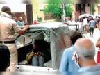 चावला कॉलोनी में भीड़ ने विक्षिप्त को बच्चा चोर समझ पीटा, पुलिस ने पहुंचकर बचाया
