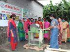 वैशाली प्रिया ने बिहार के हरिहरपुर गांव की महिलाओं को केले के तने से कपड़ा बनाना सिखाया, अपने प्रोजेक्ट के जरिये लोगों को दिए रोजगार के अवसर|लाइफस्टाइल,Lifestyle - Dainik Bhaskar