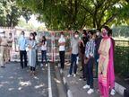 स्टूडेंट्स के एग्जाम और हॉस्टल संबंधी कई समस्याओं को लेकर एबीवीपी ने वीसी ऑफिस के सामने किया प्रोटेस्ट|चंडीगढ़,Chandigarh - Dainik Bhaskar