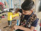 गोरखपुर में 8वीं के छात्र ने लॉकडाउन में LED बल्ब बनाना सीखा; अपनी कंपनी में मां को बनाया MD, चार लोगों को दिया रोजगार उत्तरप्रदेश,Uttar Pradesh - Dainik Bhaskar