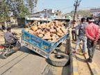 खंडों से भरी ट्रॉली का पहिया बाजार में निकला, हादसा टला डबरा,Dabra - Dainik Bhaskar