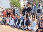कांग्रेसियों ने गले में आलू-प्याज की मालाएं पहनकर किया महंगाई के खिलाफ प्रदर्शन हिमाचल,Himachal - Dainik Bhaskar