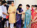 रश्मि ठाकरे ने एक्ट्रेस की कलाई पर शिवबंधन बांध पार्टी की सदस्यता दिलाई, नाराज हो छोड़ा था कांग्रेस का साथ मुंबई,Mumbai - Dainik Bhaskar