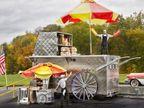 44 वर्षीय अमेरिकन शेफ मार्कस ने दुनिया की सबसे बड़ी हॉटडॉग ट्राॅली बनाई, गिनीज वर्ल्ड रिकॉर्ड में दर्ज हुआ नाम|लाइफस्टाइल,Lifestyle - Dainik Bhaskar