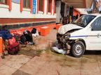 रेलिंग तोड़ते हुए अनियंत्रित कार ने 5 लोगो को कुचला, सभी को अस्पताल में भर्ती|वाराणसी,Varanasi - Dainik Bhaskar