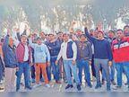 तबादला नीति के विरोध में बिजली कर्मियों ने नारेबाजी कर जताया रोष|अलेवा,Alewa - Dainik Bhaskar