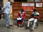 ब्रिटेन से लौटकर आए 20 और लोगों में वायरस के नए स्ट्रेन की पुष्टि, अब तक देश में 58 केस सामने आए|देश,National - Dainik Bhaskar