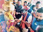 बोले- देश की आतंरिक सुरक्षा में पश्चिम बंगाल बड़ा खतरा; राजगढ़ जाते समय नैनावद में किया महाकाल का पूजन|शाजापुर (उज्जैन),Shajapur (Ujjain) - Dainik Bhaskar