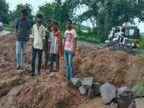 अवैध कालोनीबनाकर कर दी प्लाटिंग, नियमों को ताक पर रख लोगोंसे ऐंठ ली रकम, नगर निगम ने कराई FIR|जबलपुर,Jabalpur - Dainik Bhaskar