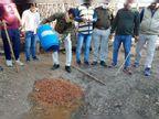 मुरैना में जहरीली शराब से मौतों के बाद जागे अफसर, नष्ट कराई कच्ची शराब|इंदौर,Indore - Dainik Bhaskar