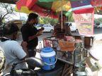 लॉकडाउन में रेस्टोरेंट बंद हुआ तो बाइक पर छोले कुल्चे बेचना शुरू किया, अब हर दिन 2 हजार रुपए कमा रहे|ओरिजिनल,DB Original - Dainik Bhaskar