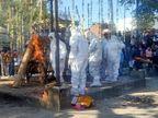 विधायक शक्तावत को बेटे विंध्यराज ने दी मुखाग्नि, PPE किट पहन अंतिम संस्कार में शामिल हुए परिजन|उदयपुर,Udaipur - Dainik Bhaskar