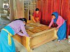मणिपुर के कीरेम्बिखोक गांव की 80% महिलाएं फर्नीचर बना रहीं, कमाई बढ़ी तो बोर्डिंग स्कूल में कराए बच्चों के एडमिशन|देश,National - Dainik Bhaskar