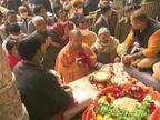 योगी ने किया बांके बिहारी मंदिर में दर्शन, 411 करोड़ की 95 योजनाओं की सौगात दी; कहा- हम ब्रज की पहचान लौटाना चाहते हैं|आगरा,Agra - Dainik Bhaskar