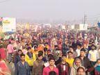बसंत पंचमी पर आस्था की डुबकी लगाने उमड़ा श्रद्धालुओं का सैलाब, कहीं यज्ञ तो कहीं संगीतमयी धुन से गूंज रही संगम नगरी इलाहाबाद,Allahabad - Dainik Bhaskar