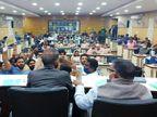 हंगामे के बाद ध्वनि मत से पारित हुआ 245.57 करोड का बजट, कांग्रेसी पार्षदों ने जताया विरोध|उदयपुर,Udaipur - Dainik Bhaskar