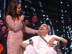 7 साल पहले इकलौता बेटा छोड़ गया, 'इक प्यार का नगमा है' लिखने वाले संतोष आनंद की नेहा कक्कड़ ने की मदद|बॉलीवुड,Bollywood - Dainik Bhaskar