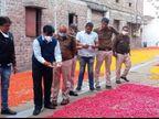 उज्जैन में हाेली के रंगों से बना रहे थे फिंगर चिप्स, अधिकारियों ने छापा मारकर सीज कराई फैक्टरी|उज्जैन,Ujjain - Dainik Bhaskar
