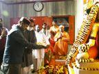 ओम बिरला ने गोरक्षनाथ मंदिर में किया दर्शन-पूजन, महंगाई के सवाल पर बोले- मुद्दों पर चर्चा करना संसद का काम|गोरखपुर,Gorakhpur - Dainik Bhaskar