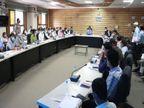 बैठक में दो अधिकारियों पर बिगड़े कलेक्टर, ADM को नोटिस, महिला अधिकारी का वेतन रोकने के निर्देश इंदौर,Indore - Dainik Bhaskar