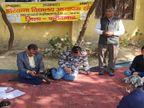 खंड शिक्षा अधिकारी को CM के नाम सौंपा ज्ञापन, जल्द बहाली की मांग की; कहा- हमारा परिवार भूखमरी के कगार पर पहुंचा|फरीदाबाद,Faridabad - Dainik Bhaskar