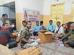 समर्पण निधि के एक-एक पैसे का हिसाब रखने के लिए सेवानिवृत्त बैंककर्मी, अकाउंटेंट व स्टूडेंट्स दे रहे हैं सेवाएं जोधपुर,Jodhpur - Dainik Bhaskar