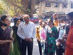 छात्रों की मांगो पर बनी सहमति, कोटा विश्वविद्यालय के रजिस्ट्रार ने कॉलेज आकर परीक्षा पैटर्न बदलने की घोषणा की कोटा,Kota - Dainik Bhaskar