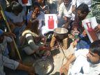 गैस के दाम बढ़ाने के विरोध में जयपुर में कलेक्ट्रेट ऑफिस के बाहर चूल्हे पर बनाई चाय और रोटी|जयपुर,Jaipur - Dainik Bhaskar