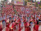 अस्सी घाट पर देश भर से आई1000 महिलाओं नेहाथों में दीप लेकरशिव तांडव का स्रोत किया, नारी शक्ति का दिया संदेश|वाराणसी,Varanasi - Dainik Bhaskar