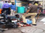 वाराणसी में महाशिवरात्रि के दिन पुलिस वाले ने फुटपाथ परमाला बेचने वाली महिला के हाथ पर रखा जूता, SSP ने किया लाइन हाजिर|वाराणसी,Varanasi - Dainik Bhaskar