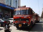 फायर ब्रिगेड की 2 गाड़ियां और थाने व चौकी की पुलिस मौके पर पहुंची तो कबाड़ जलता मिला जालंधर,Jalandhar - Dainik Bhaskar