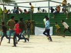 खेसारी-अक्षरा को नहीं देख सके तो उग्र हुए लोग, वाटर पार्क में तोड़फोड़, पुलिस का लाठीचार्ज|बिहार,Bihar - Dainik Bhaskar